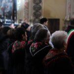 Donne con l'abito tradizionale durante la Messa Solenne - foto di Luca Brambilla - Tremenico, 5 febbraio 2019