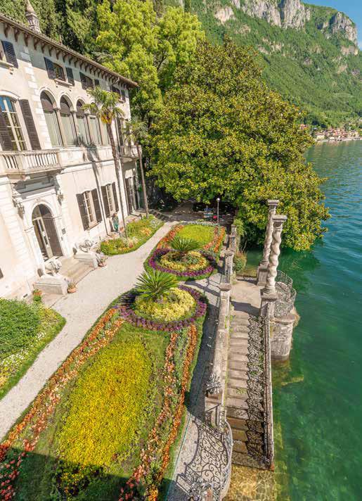 vista dall'alto giardino di Villa Monastero a Varenna