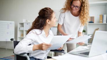 Female analysts
